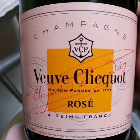 Veuve Clicquot Ponsardin Brut Rosé Champagne Blend NV