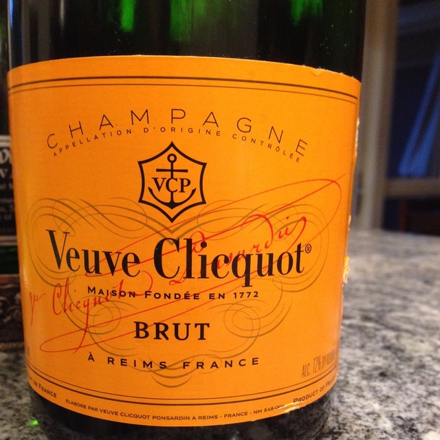 Yellow Label Brut Champagne Blend NV (375ml)