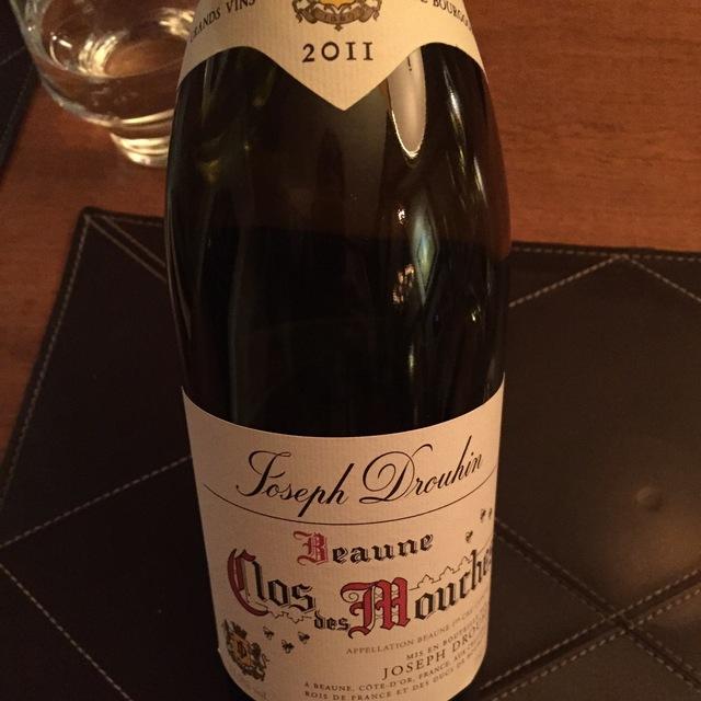 Clos des Mouches Beaune 1er Cru Pinot Noir 2011