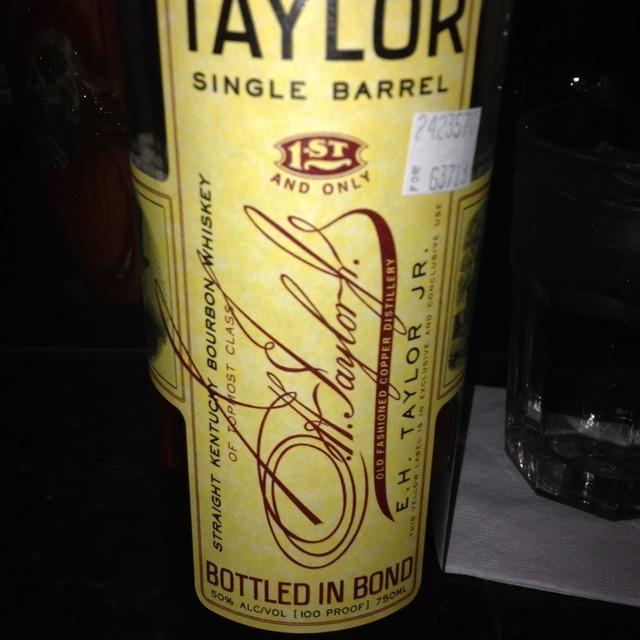 Single Barrel Straight Kentucky Bourbon Whiskey NV