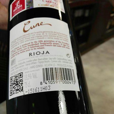 C.V.N.E. (Compañía Vinícola del Norte de España) Cune Crianza Rioja Tempranillo Blend