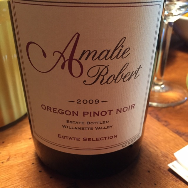 Estate Selection Willamette Valley Pinot Noir 2010