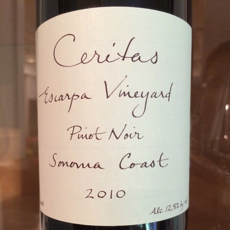 Ceritas Escarpa Vineyard Pinot Noir 2010